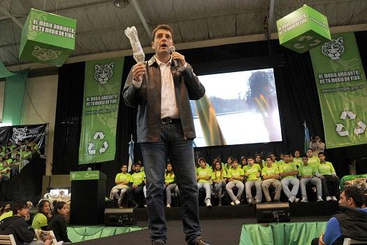 """Massa, cuando presentó  el programa ecológico """"Tigre Recicla""""."""